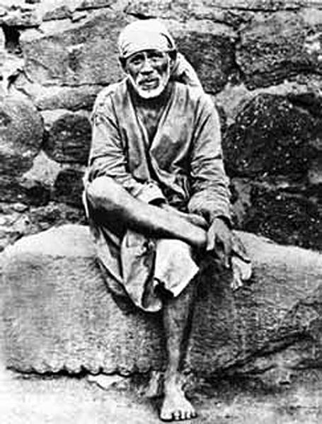 shirdi Sai in muslim's outfits