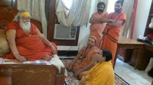 BJP Leader Uma bharti with Swami swarupanand ji